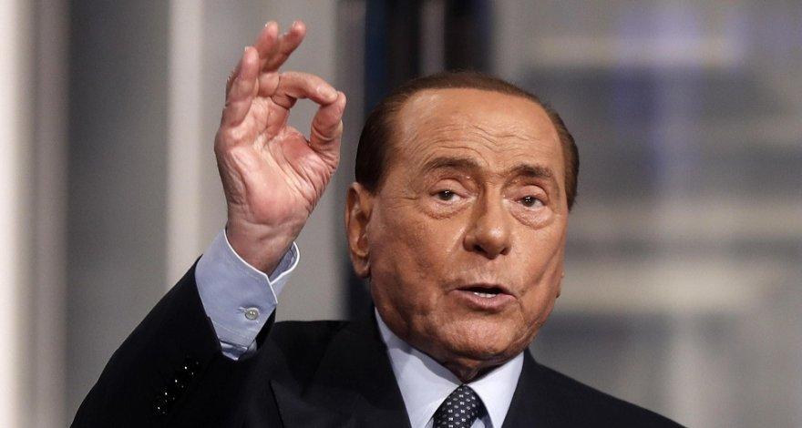 Берлускони вернулся к работе после коронавируса