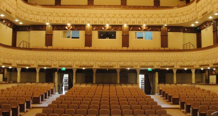 В Азербайджане рассматривается вопрос возобновления деятельности театров