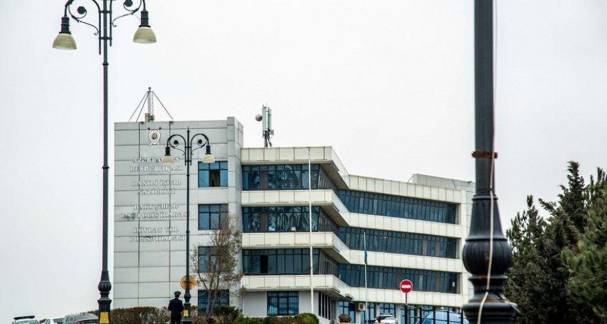 В Азербайджане мужчина в шортах не был допущен на экзамен на получение водительских прав