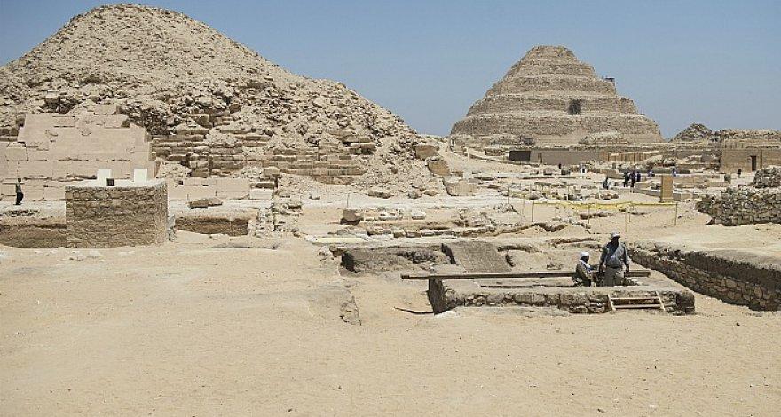 Недалеко от Каира обнаружены 27 саркофагов возрастом более 2500 лет - ФОТО