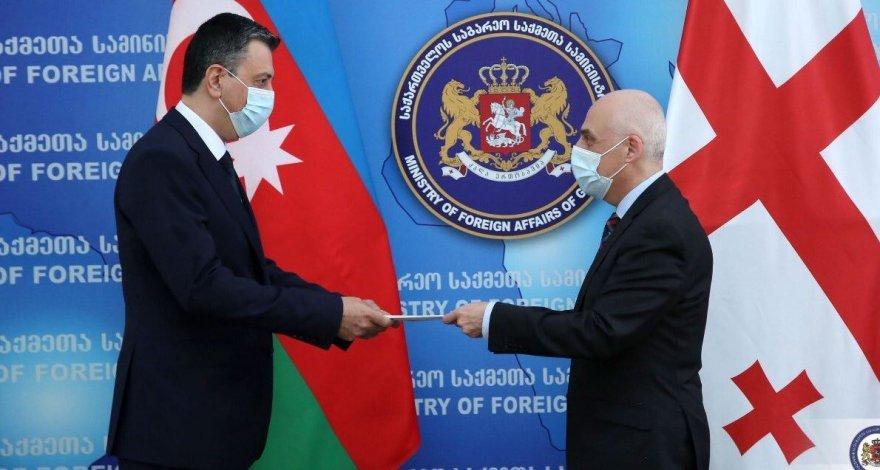 Новый посол Азербайджана вручил копии верительных грамот главе МИД Грузии