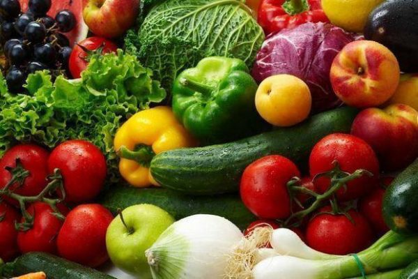 Tomati i yabloki