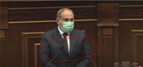 nikol pashinyan yavilsya na zasedanie parlamenta armenii v bronezhilete foto