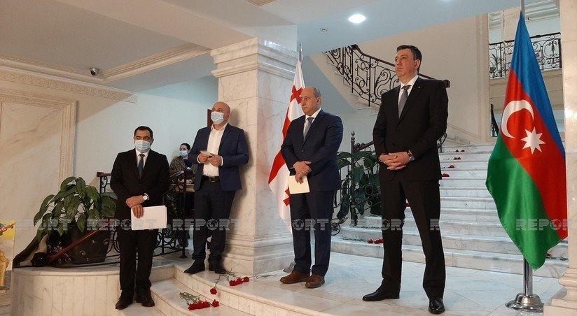 zamministra gruziya gotova i dalshe razvivat partnerskie otnosheniya s azerbajdzhanom