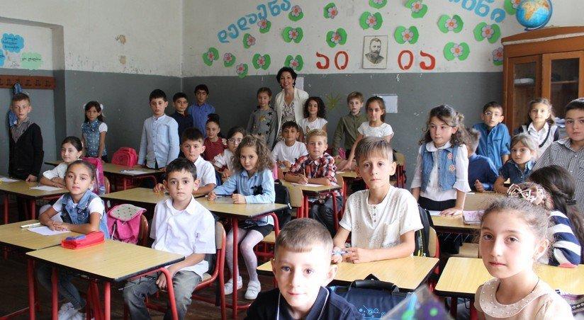 v gruzii otkryvayutsya shkoly i restorany